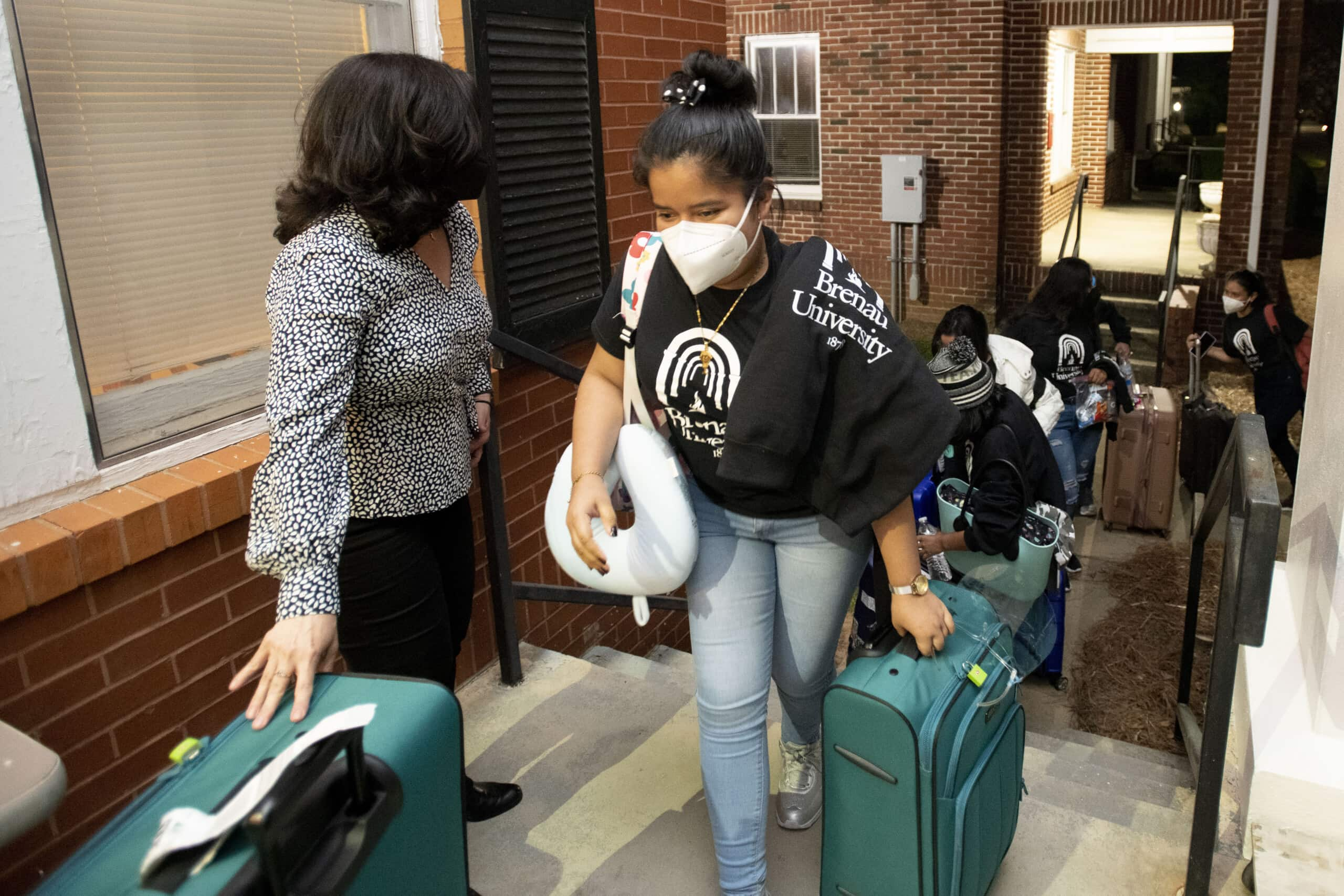 Students from the first cohort of the partnership between Brenau and IFARHU arrive